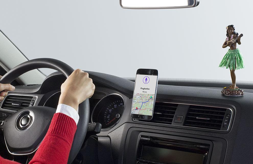 ZeroTouch Sprachsteuerung für Navigation, Musik und mehr.